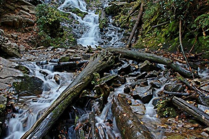 Mingo Falls Logs HDR