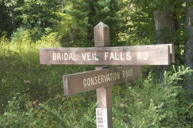 Bridal Veil Falls Rd Sign