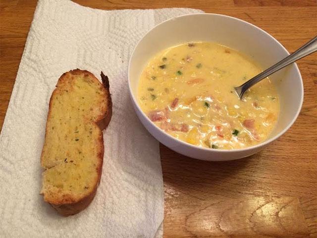 Cheesy Bacon Corn Chowder Recipe