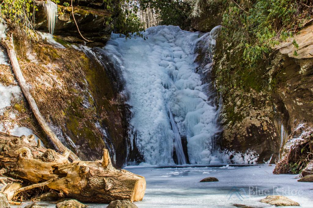 Frozen Courthouse Falls