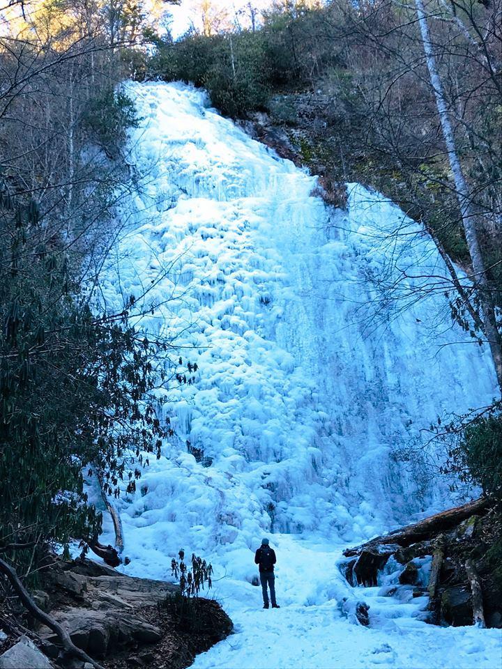 Frozen Mingo Falls