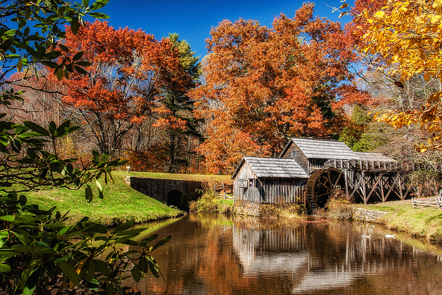 Fall-colors-at-the-famous-Mabry-Mill-on-the-Blue-Ridge-Parkway.-Photo-by-httpswww.flickr.comphotosmatthewpaulson